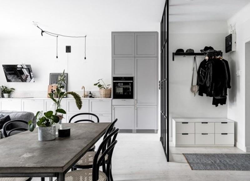 Binnenkijken in een scandinavisch zwart wit grijs for Grijs wit interieur