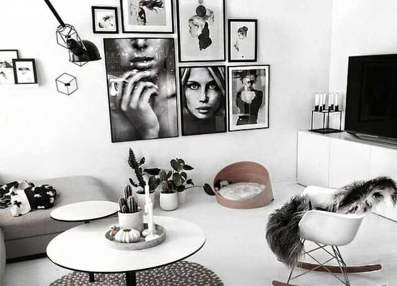 Een muur vol met zwart witte foto 39 s alles om van je huis je thuis te maken - Hoe kleed je een witte muur ...