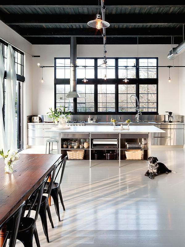 10x de mooiste interieurs met zwarte kozijnen alles om van je huis je thuis te maken - Kleur moderne woonkamer ...