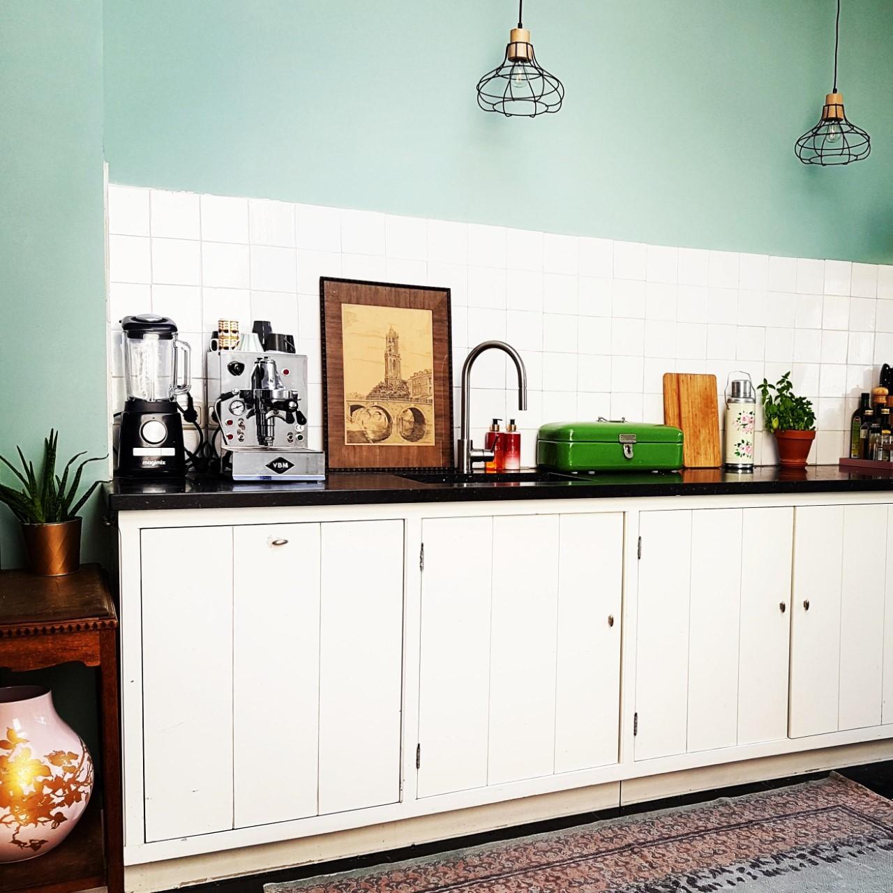 eclectische witte woonkeuken