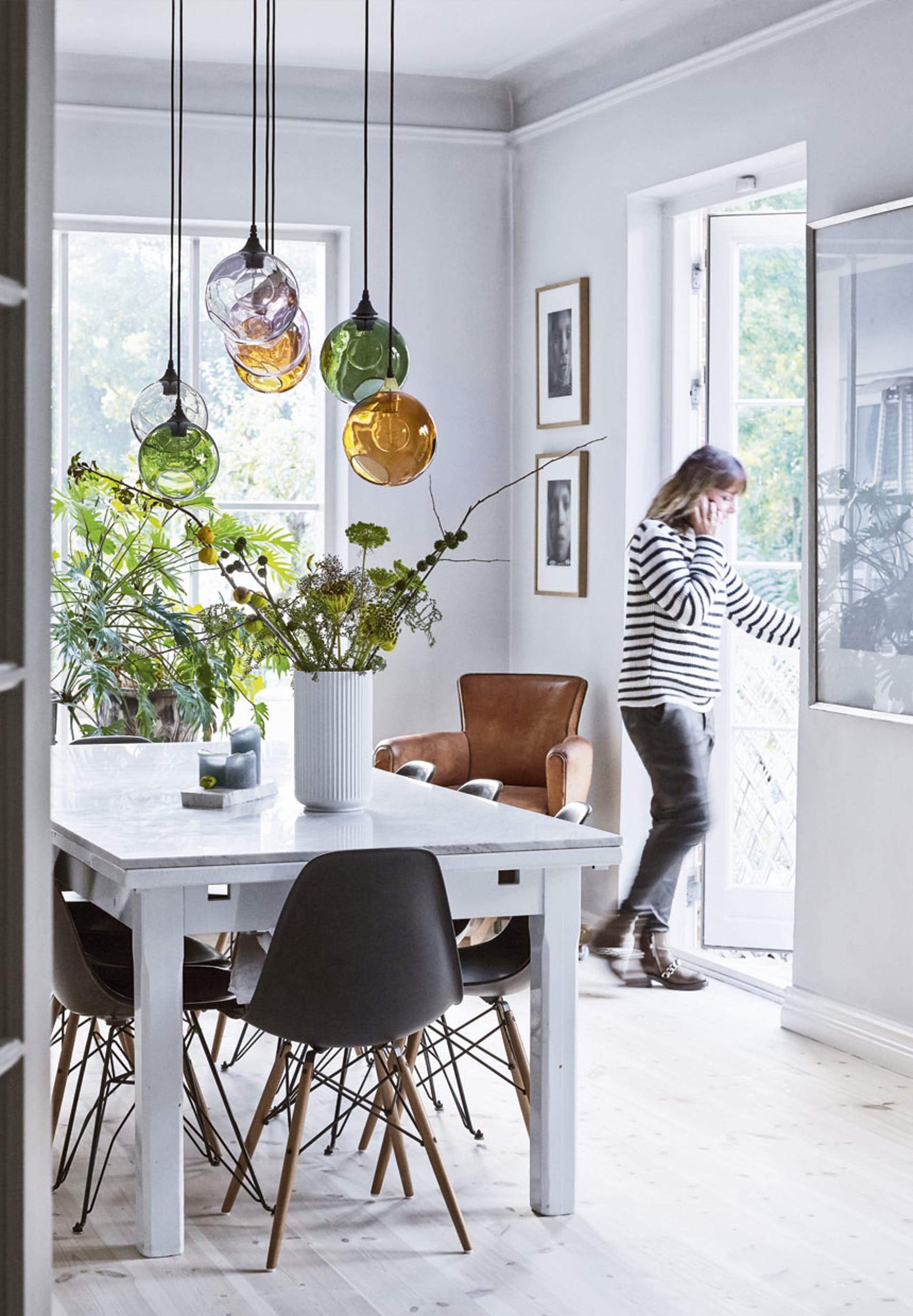 Binnenkijken in een Deens interieur met veel kunst - Alles om van je ...