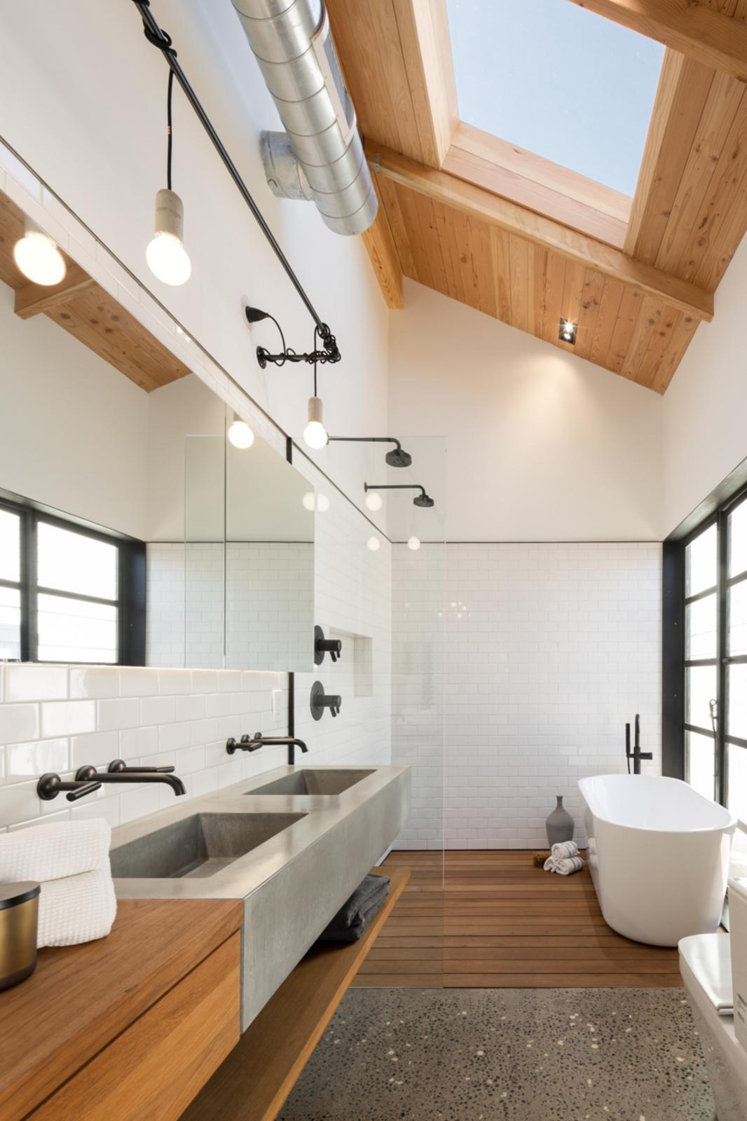 Trend: een badkamer met hout   alles om van je huis je thuis te ...