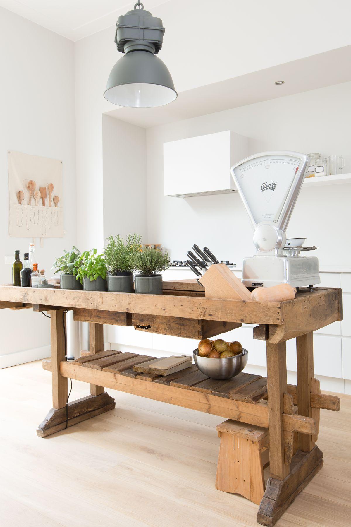 Eine werkbank im interieur ja oder nein alles was du brauchst um dein haus in ein zuhause - Oude stijl keuken wastafel ...