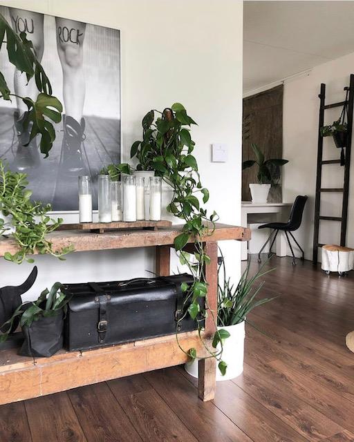 woonkamer met werkbank van Olaifje