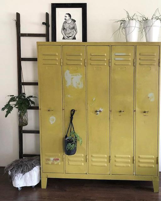 gele lockers woonkamer Olaifje
