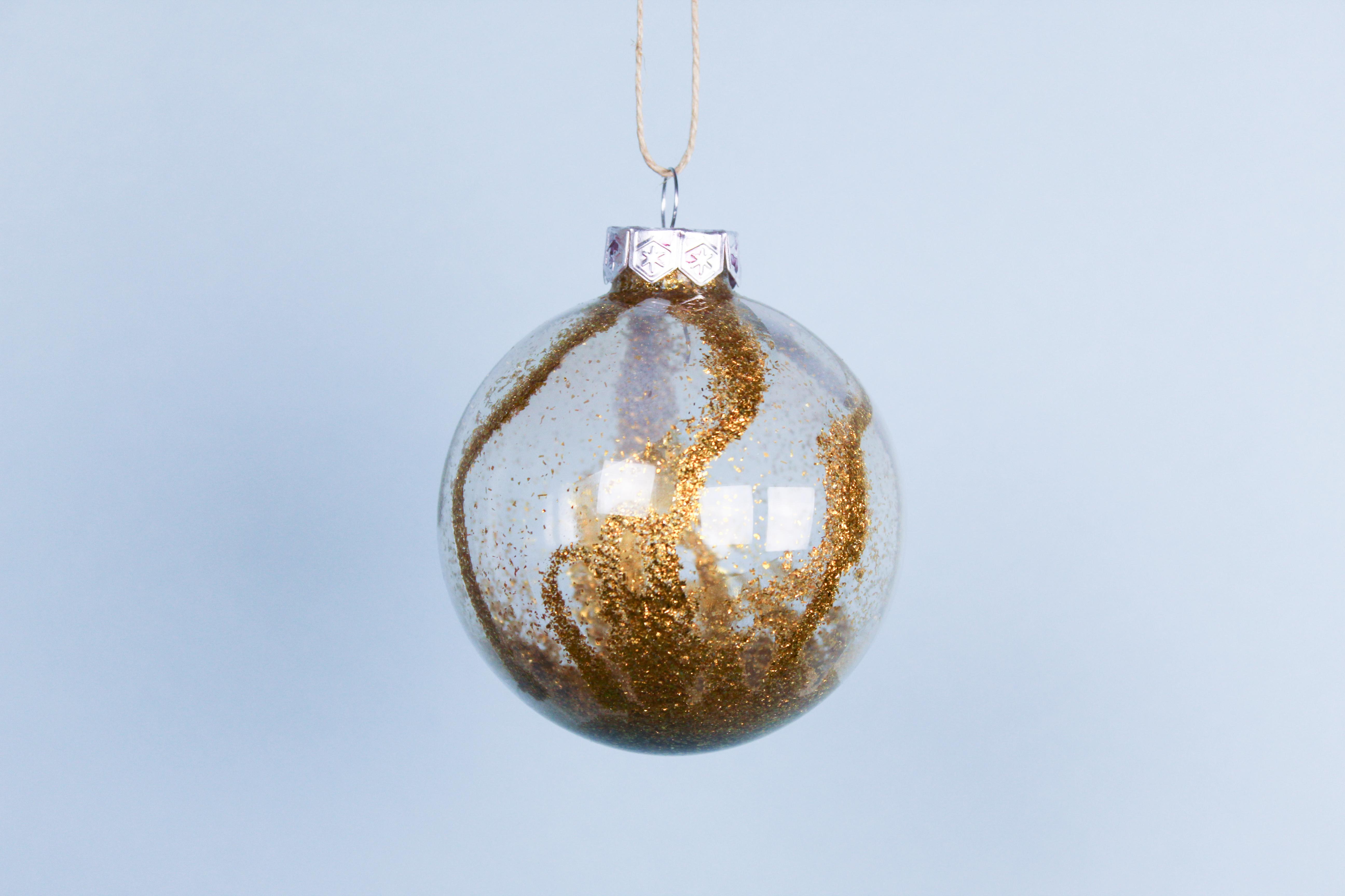 kerstbal-met-glitters