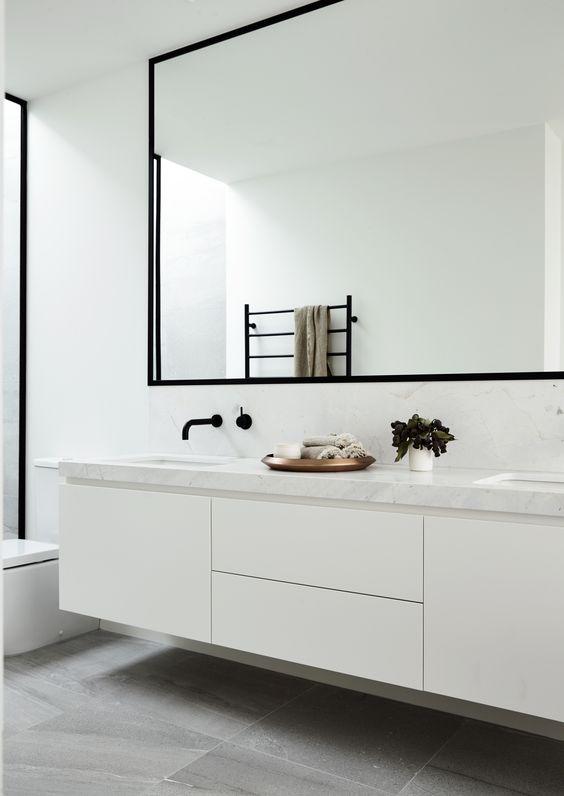 Trend: zwarte kozijnen in de badkamer - Alles om van je huis je ...