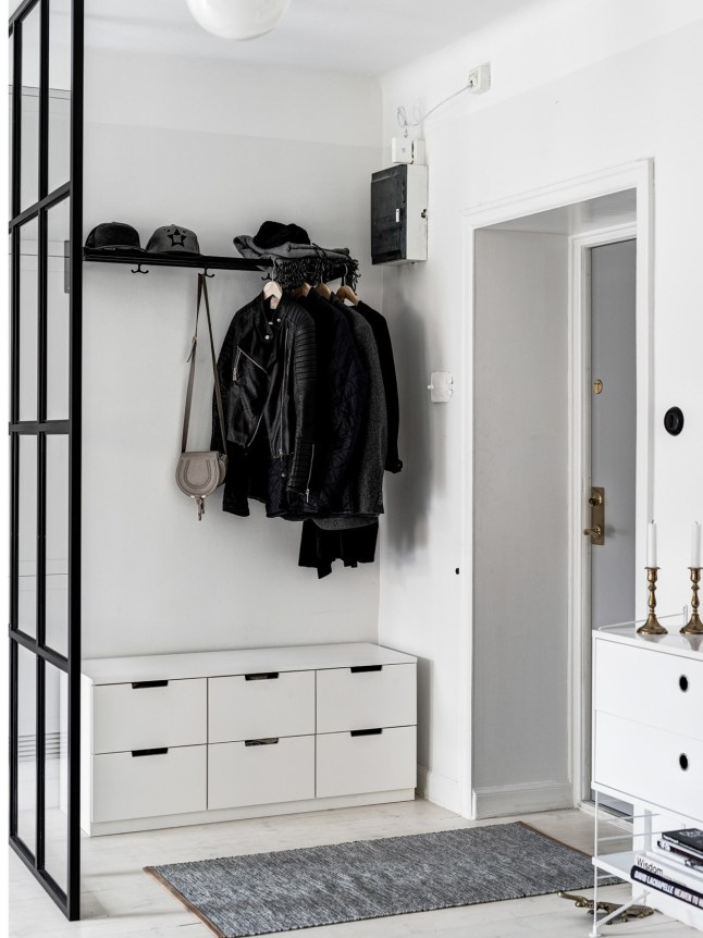 Binnenkijken in een Scandinavisch zwart-wit-grijs interieur - Alles ...
