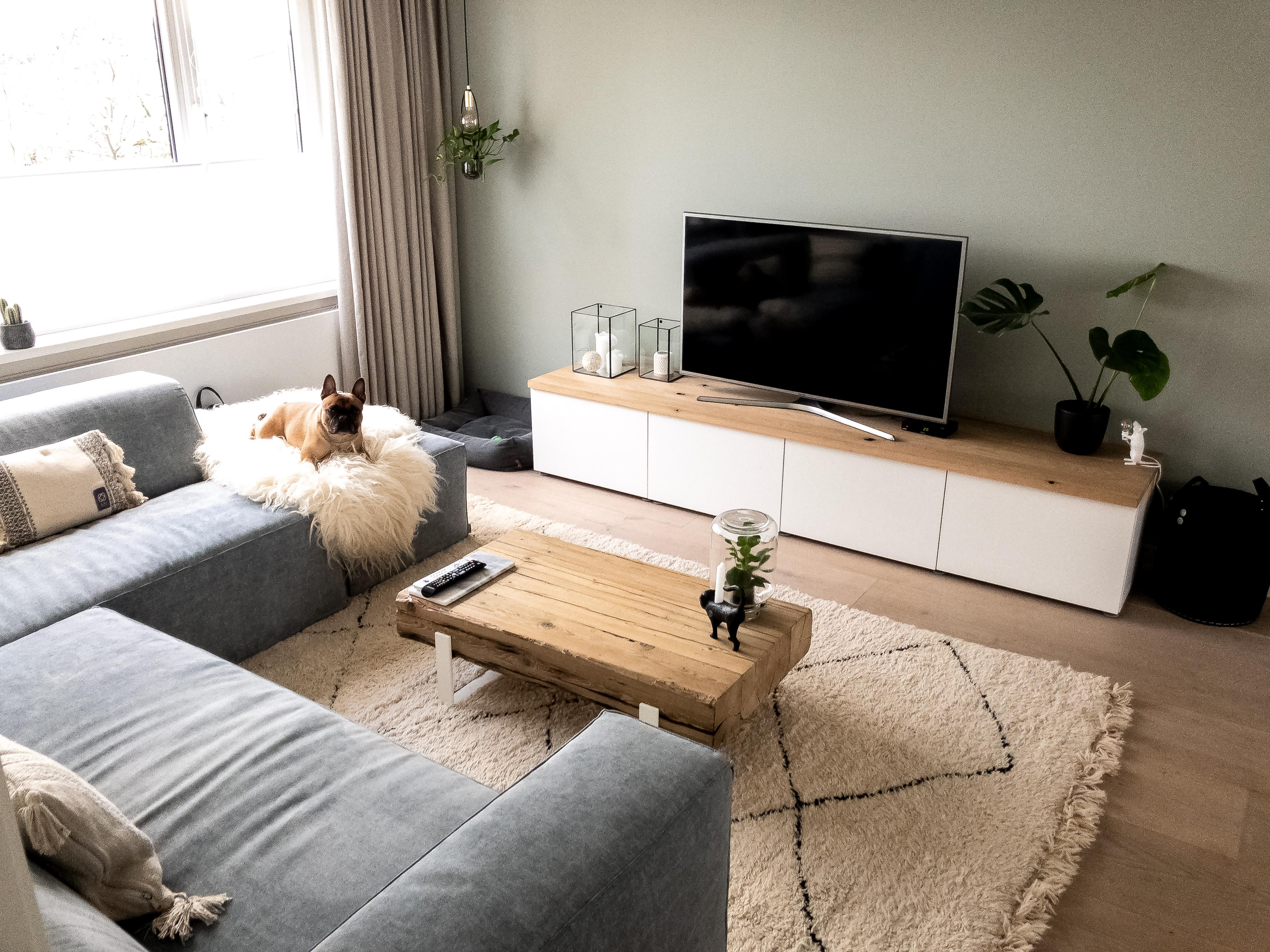 woonkamer neutrale kleuren met bohemian deatails