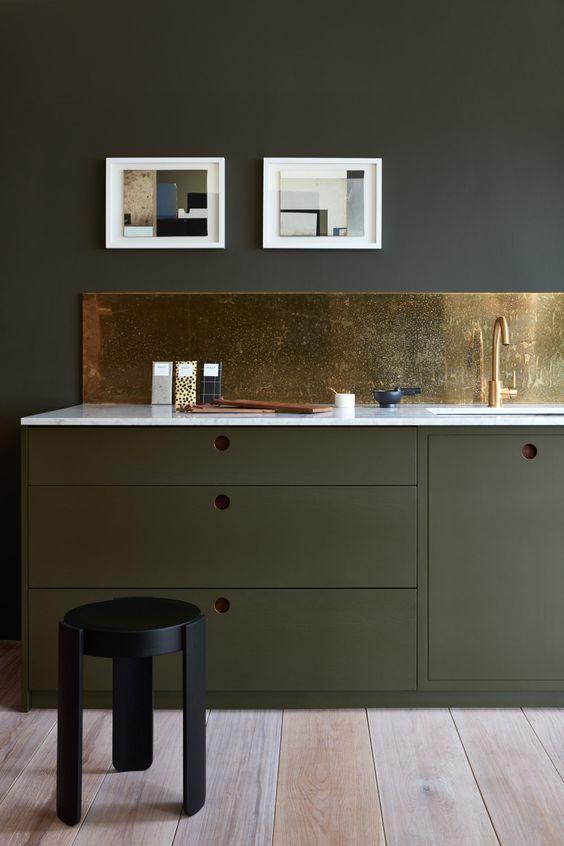 10x de leukste groene keukens alles om van je huis je thuis te maken - Trendkleur keuken ...