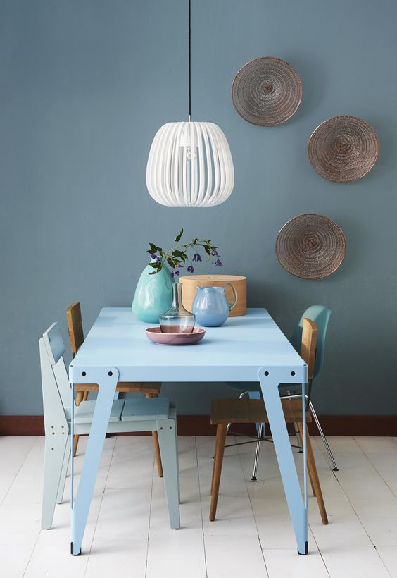 10x de mooiste interieurs met blauwe muren alles om van - Kleur blauwe verf ...