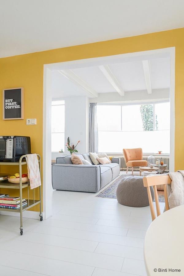 5 tips om meer kleur in je interieur toe te voegen alles om van je huis je thuis te maken - Deco woonkamer aan de muur wit ...