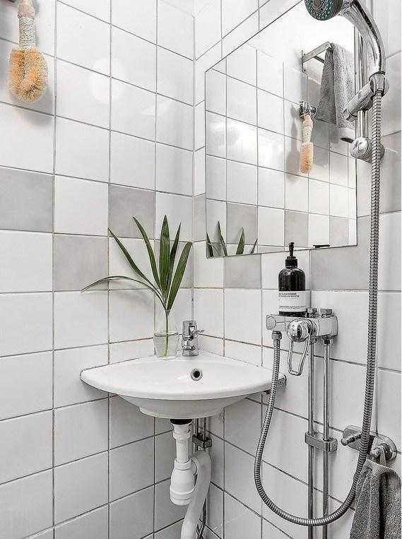 Dit appartement is slechts 22 vierkante meter groot maar is z leuk ingericht alles om van - Deco klein appartement ...