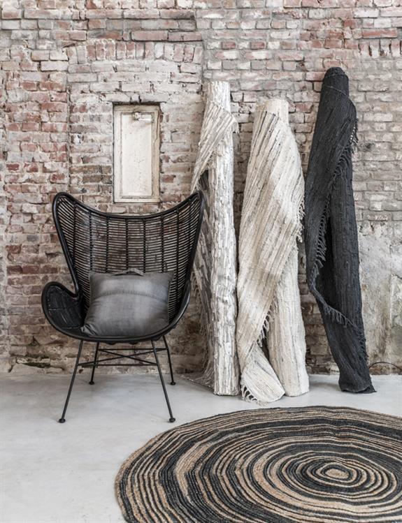 de mooiste interieurs met ronde vloerkleden alles om van je huis je thuis te maken. Black Bedroom Furniture Sets. Home Design Ideas